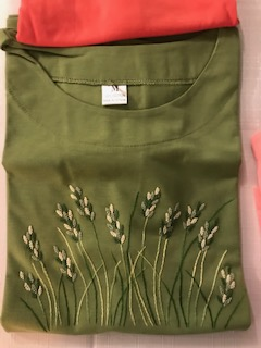 T-shirt brodé fleurs 8€ (Ref : H_02A)