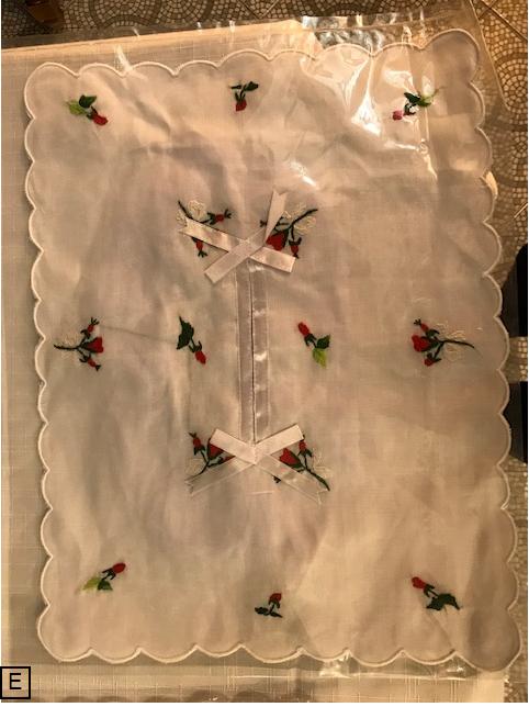 Enveloppe  coton brodé pour boite mouchoirs  papier 6€  (Ref : P_02)